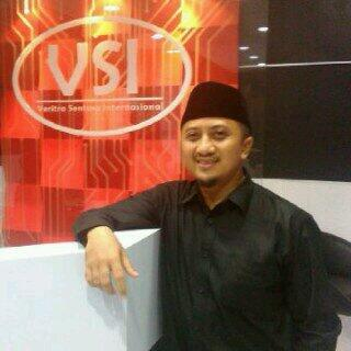 <strong>Yusuf Mansur</strong>